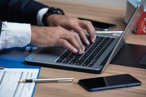 כרטיס ביקור דיגיטלי לעורך דין
